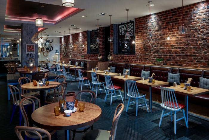 From the Vtec texture wall panel range, London Brick Multi and White Brick Wall Panels in a hotel restaurant near Tower Bridge, London